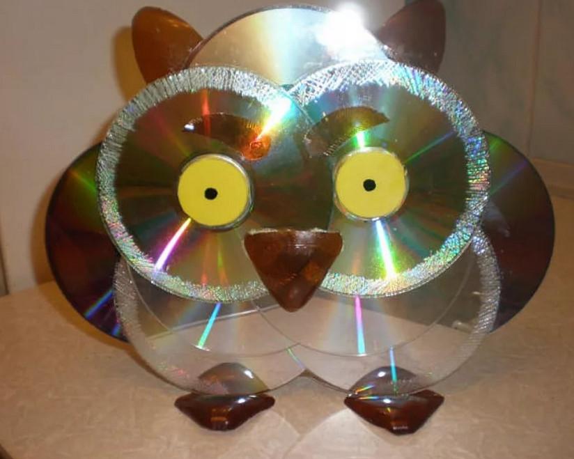 Какую можно сделать поделку из дисков своими руками