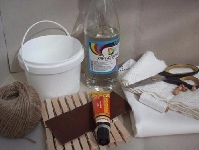Случайно забыла выбросить пластиковое ведерко из-под майонеза… Пришла подруга, и закрутилось!