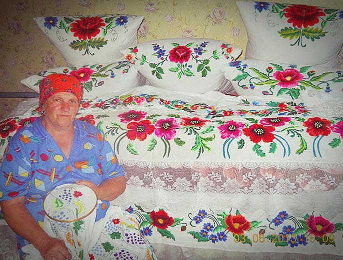 Золотые бабушкины руки! Какая красота и трудолюбие! Сердце радуется... Оцените, пожалуйста!