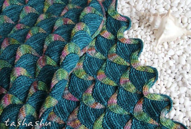 С этим трюком ты сделаешь такой шарф сам за 30 минут... Без спиц, всего лишь руками!