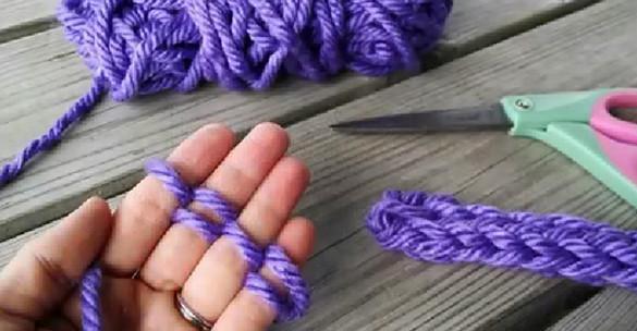 Оригинальный способ вязания для тех, кто не дружит со спицами. Нашим бабушкам и не снилось… Если нет спиц, а душа просит творчества!