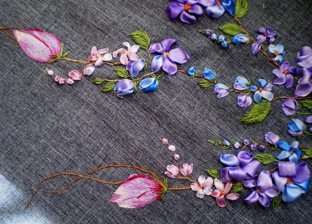 Для выразительной ленточной вышивки: покрасьте ленты сами! Секционная окраска атласных лент в микроволновке...