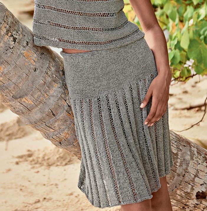 Восхитительная юбка с имитацией складок спицами... Очень красивая юбка на гладкой кокетке привлекает внимание фальшивыми складками!