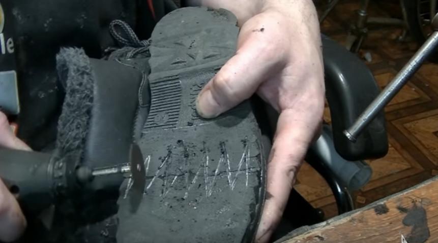 Что делать если лопнула подошва? Бывает такое и это очень досадно, когда лопается подошва у новой обуви...