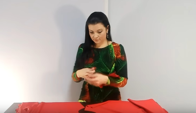 Как пошить платье без выкройки за полчаса? Вы сможете сшить тунику всего за час, причем выкройка вам действительно не потребуется!