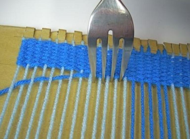 28Станок для плетения из ткани