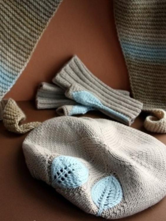 Классный вязаный комплект: берет и митенки... Можно вязать одним цветом или выделить листочки!