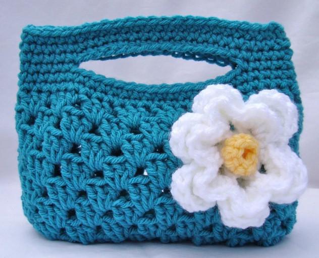 Красивая сумочка для юной модницы-дочки легкая в вязании!