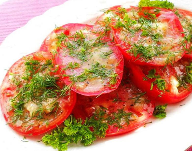Всего полчаса, и освежающая закуска к столу готова! Супервкусные помидоры по-итальянски.