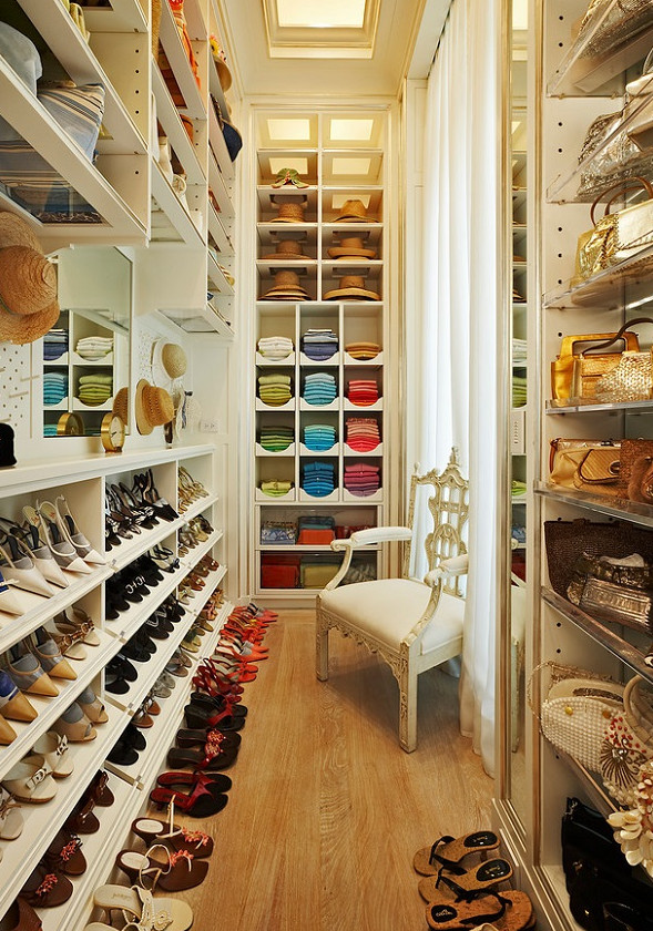 Вспышка вдохновения! 27 идей для гардеробной комнаты и даже для комнатушки...