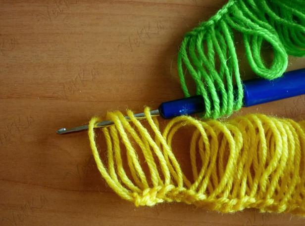 Шикарный шарф, связанный на линейке. Брумстик... Не думала, что это так легко и понятно!