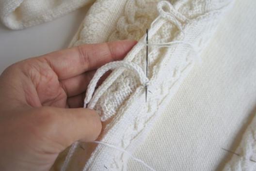 Мастер-класс для начинающих, как пришить петельки для пуговичек... Застежка на вязаной кофточке просто и легко!