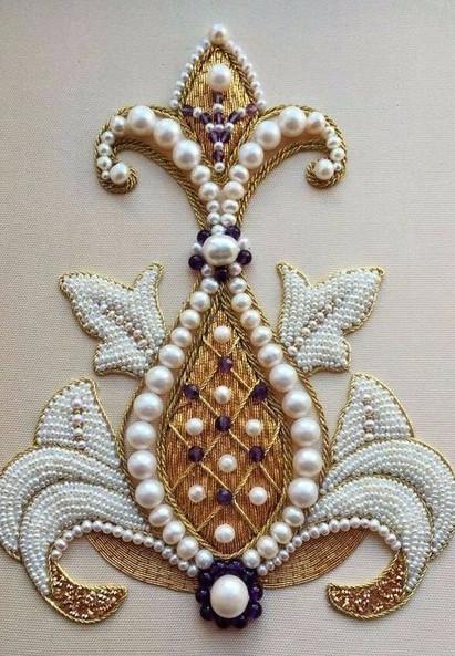 Впечатляющая вышивка из элитных материалов!