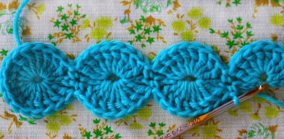 Оригинальный плед баварской вязкой... Этот способ вязания очень интересный и совершенно не утомительный!