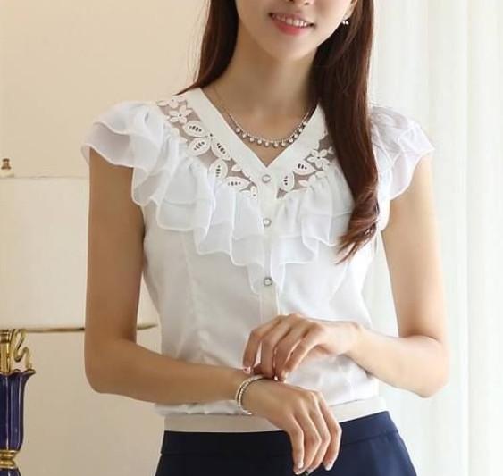 Актуальный тренд: 18 белых блузок без которых не обойтись...