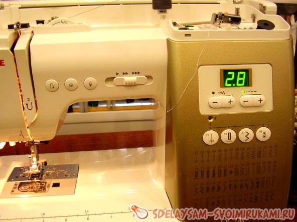 Профессиональная штопка джинсов... К счастью, всё поправимо, если у вас есть любая швейная машина!
