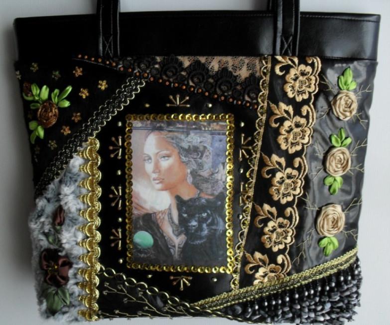 Потрясающие сумки в технике крейзи-квилт Татьяны Шестаковой... Смотрятся просто невероятно!