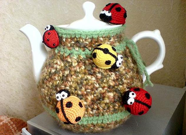 Изумительно! 20 идей самодельных вязаных грелок для чайника...