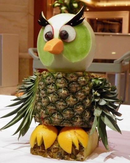 Как будто вывели новые виды животных - настолько реалистичные! Креативные идеи создания зверушек из овощей и фруктов...