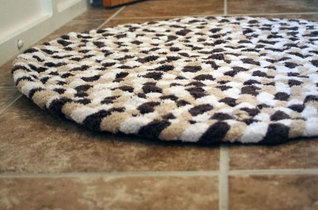 Махровый коврик из полотенец своими руками... Небольшой и простой мастер-класс!