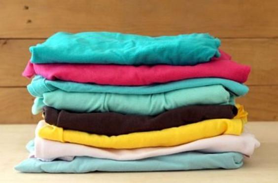 Яркий и солнечный коврик из старых футболок... Как хорошо, что я еще не выбросила старые вещи!