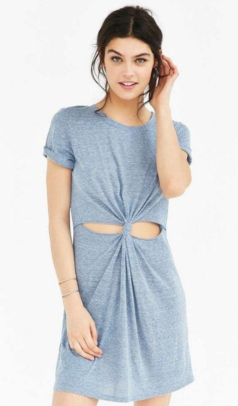 Крутое летнее платье из ненужной футболки... Я в восторге!