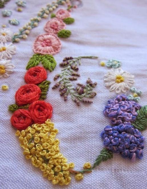 Изящные вышивки итальянского мастера Elisabetta Ricami... Изумительное мастерство!
