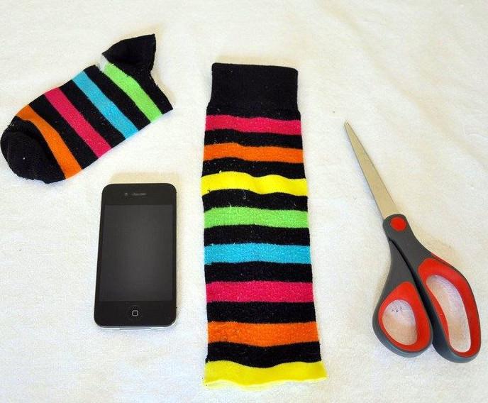 25+ полезных применений одинокому носку... Ну очень жизненные лайфхаки!