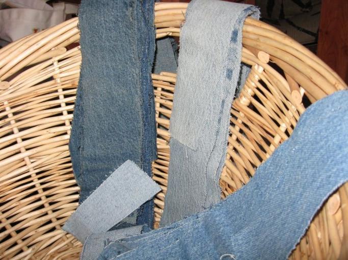 Коврик из старых джинсов своими руками! Переделка из старых вещей всегда актуальна...