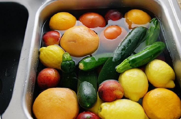 20 идей, как использовать перекись водорода... Для быта, здоровья и даже для выведение пестицидов из овощей!