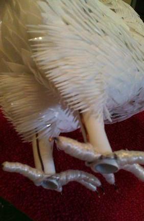 Королевский голубь из пластиковых бутылок... Вы не поверите, но голубь сделан своими руками!