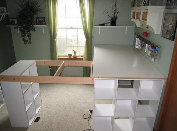 Когда ты увидишь, что он соорудил из 3 стеллажей, придешь в восторг. Такого функционального предмета не хватает в моей квартире!