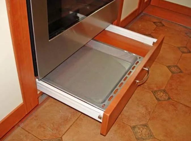 10 предметов, о подлинной функции которых ты не догадываешься! Оказывается, что ящик под духовкой вовсе не для сковородок.