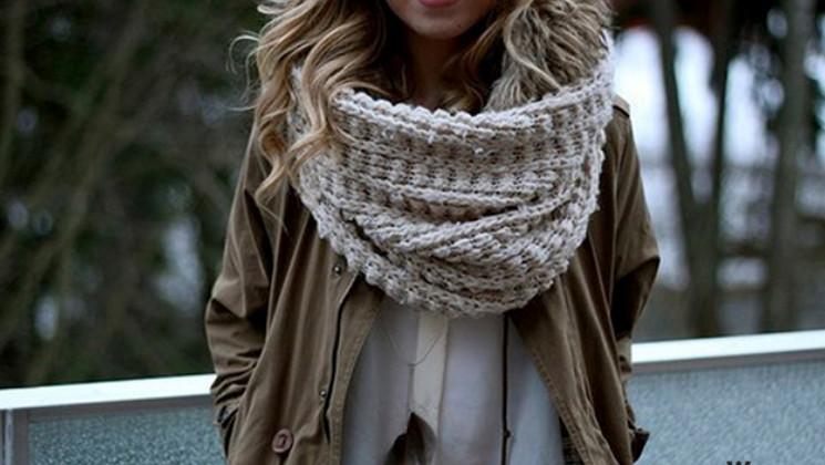 Снуд выглядит неповторимо! Все об этой трендовой вещи... Кто знает, чем различаются круговой шарф и шарф-хомут?