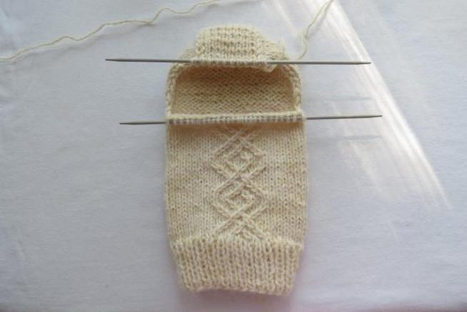 Вяжем шерстяные носки на 5 спицах. Качественно и красиво!