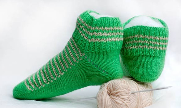 Вяжем женские носки на двух спицах. Очень понятный мастер-класс!