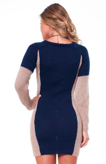 Платье спицами, которое всегда будет стройнить! Давно искала такую выкройку...