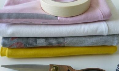 Вяжем очаровательные корзинки из трикотажных футболок... Связать такую корзинку очень просто!