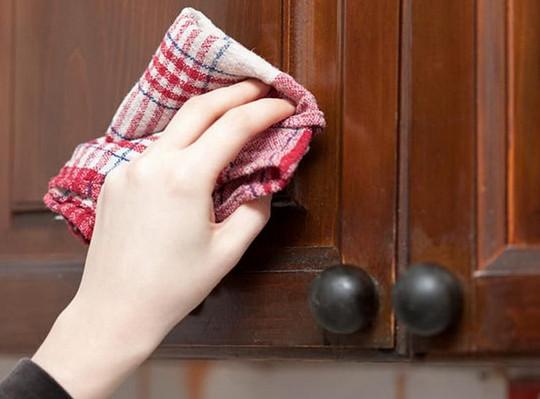 5 быстрых способов очистить кухонные шкафчики от жирного налета. Сама готовлю много, поэтому применяю эти средства регулярно...