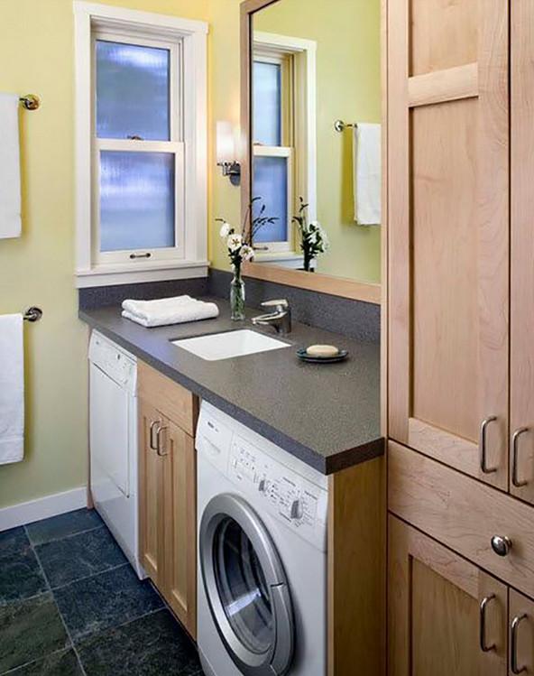 Как вписать стиральную машинку в крохотную ванную комнату... И дизайнера приглашать не пришлось!