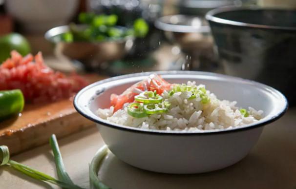 Рисинка к рисинке: теперь только так! Рассыпчатый гарнир даже из самого дешевого риса.