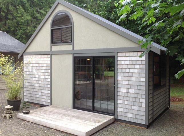 Этот домик построен на 18м², но вы только посмотрите что внутри...