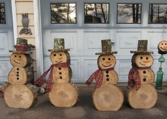 Вот как украсить дом и двор к Новому году, не потратив лишнего...