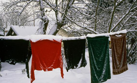 Почему наши бабушки сушили свежевыстиранное белье на морозе...