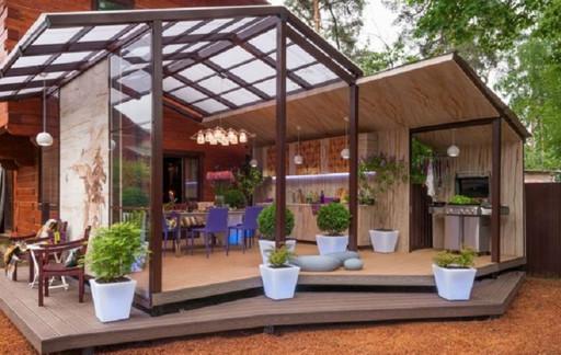 Пристроить веранду на даче сумеет каждый, а вот оформить ее помогут эти великолепные идеи...