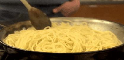 14 гениальных кухонных лайфхаков, которые пригодятся каждому...