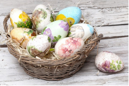 Как покрасить яица на Пасху... 20 неожиданных способов!