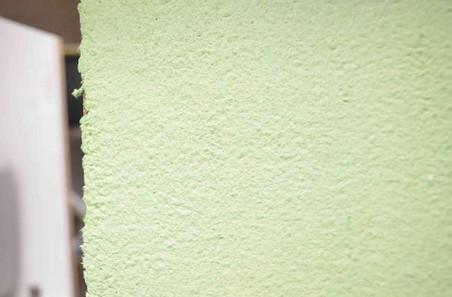 Отличный способ сэкономить на ремонте: делаем «жидкие обои» своими руками...