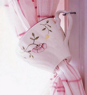 Чем и как украсить шторы?... Идея с чашкой гениальна!