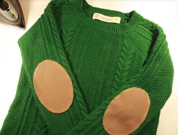 12 прекрасных идей, которые обновят старый свитер... Чего только стоит сама идея украшения рукавов!